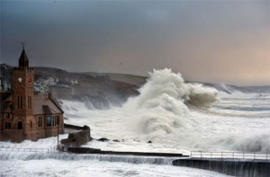 britain-storm-wave-home-emergency